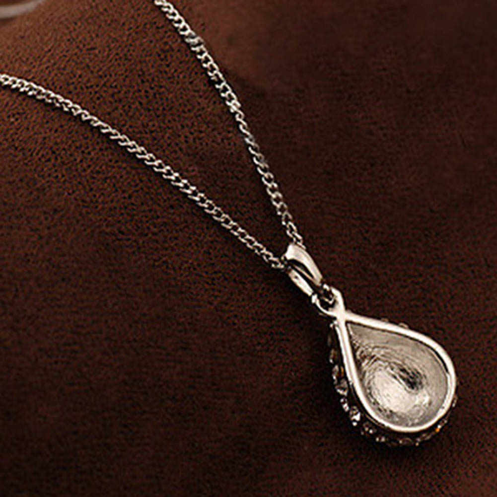 Free Shipping Fashion Water  Droplets Necklace Studded Short Clavicle Necklace Gold Silver