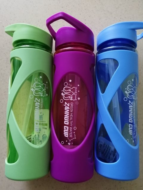 580ML Seal Straw Sports Water Bottle Non slip Heat Resistant Plastic Protein Powder Shaker Fitness Drinkware-in Water Bottles from Home & Garden on AliExpress