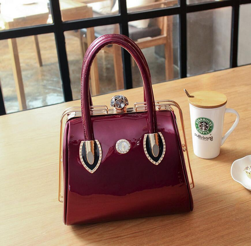 2019 new fashion skull bag patent leather lock female bao chao bright red wedding bridal package