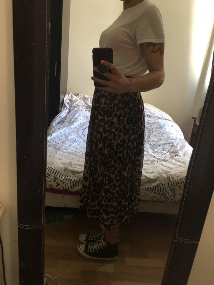 Summer Autumn Women Long Leopard Skirt Elastic Waist Chiffon Pleated Skirts Casual Maxi Beach Printed Skirt photo review