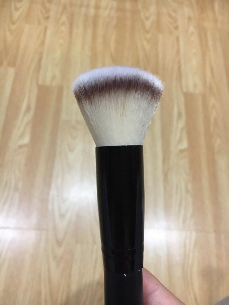 Foundation Brushes Soft Fiber Wood Handle Powder Blush Brushes Face Makeup Tool Pincel Maquiagem Facial Foundation Makeup Tool