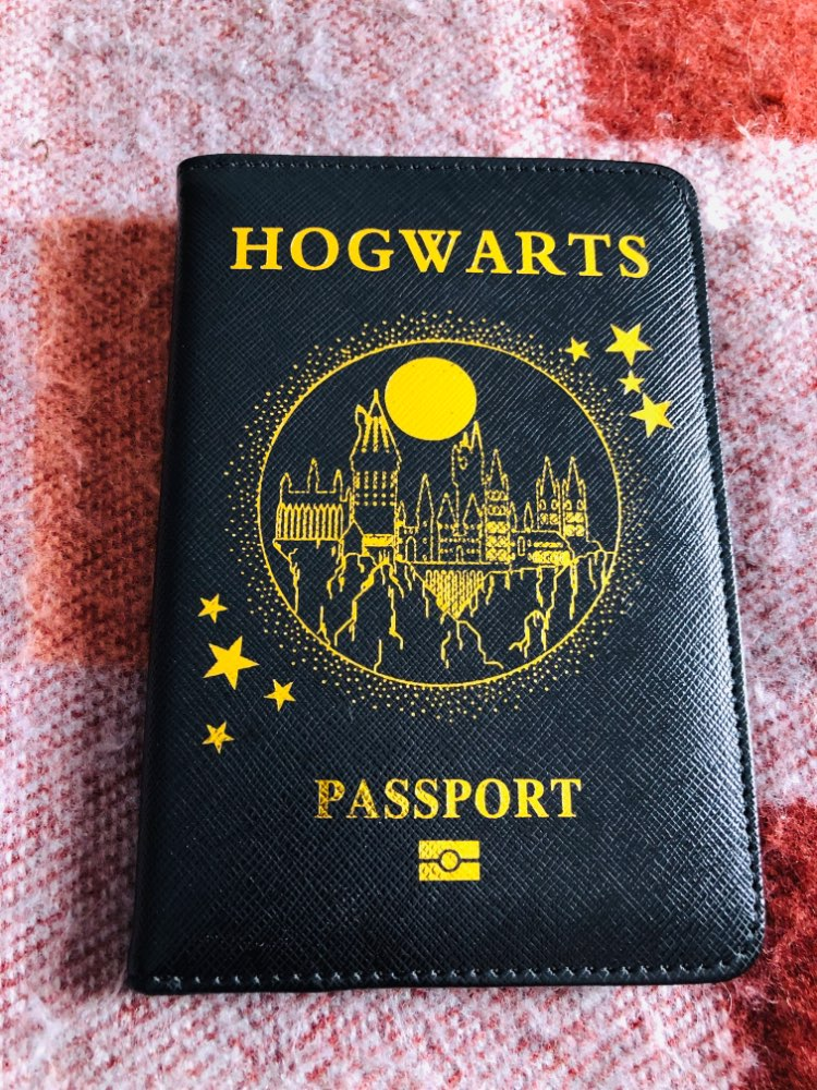 DIKEDAKU Harry Potter Passport Holder Rfid Unisex Pu Leather Hogwarts 9 3/4 Platform Passport Wallet Travel Cover for Passport photo review