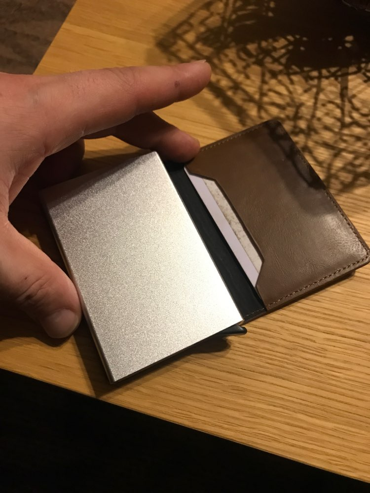 Metal Credit Card Holder Automatic Pop Up Vintage Aluminum Wallet PU Leather Antitheft Rfid Blocking Wallet Pass Port Holder photo review