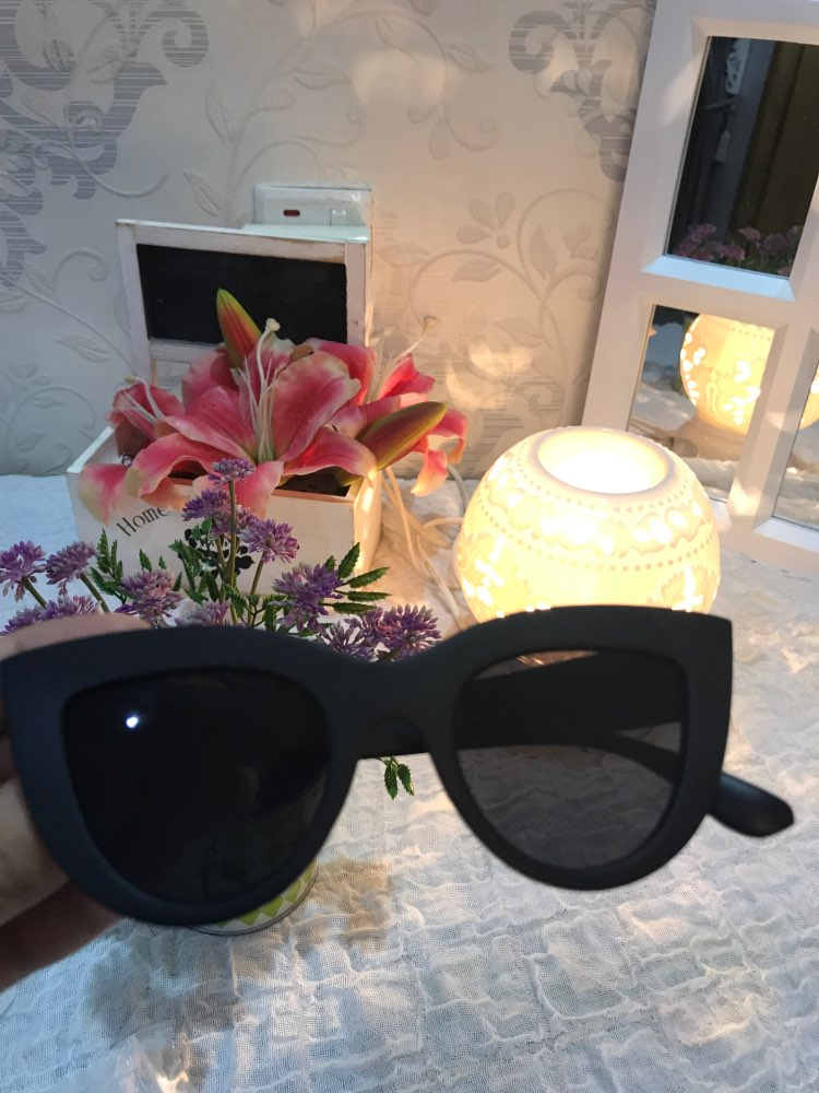 2019 New Cat Eye Women Sunglasses Tinted Color Lens Men Vintage Shaped Sun Glasses Female Eyewear Blue Sunglasses Brand Designer Apparel Accessories