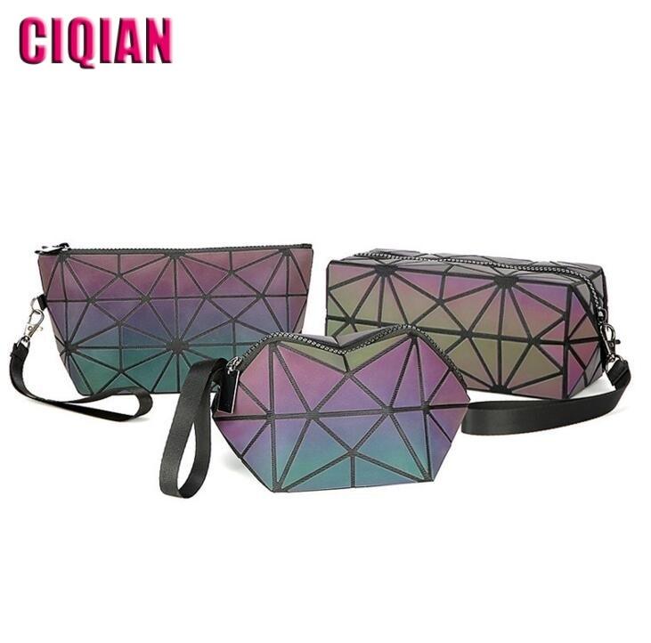 HOT ! Luminous Bag 2018 New Women Geometric handbag Small Coin purse/ make-up bag for girls cute Shinning bag Free Shipping
