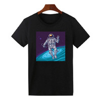 Astronaut in Space T-Shirt New Design Summer Fashion Printed Short Sleeve T Shirt Men Women Thinking outter universe Top Tees