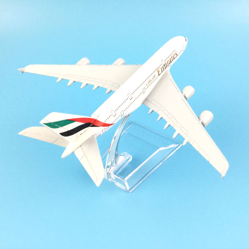 AIRLINER 16CM A380 EMIRATES AIRLINES METAL ALLOY MODEL PLANE AIRCRAFT MODEL TOYS FOR CHILDREN BIRTHDAY GIFTS