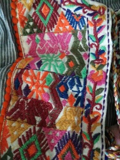 Женские винтажные Boho куртка с вышивкой Винтаж Свободные Ретро плиссированные Пальто Длинные рукава изделие меховыми шариками Повседневная Верхняя одежда Топы CT1206
