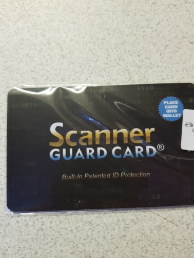 Draagbare Creditcard Protector RFID Blokkerende NFC-signalen Shield Secure voor paspoort Case Purse photo review