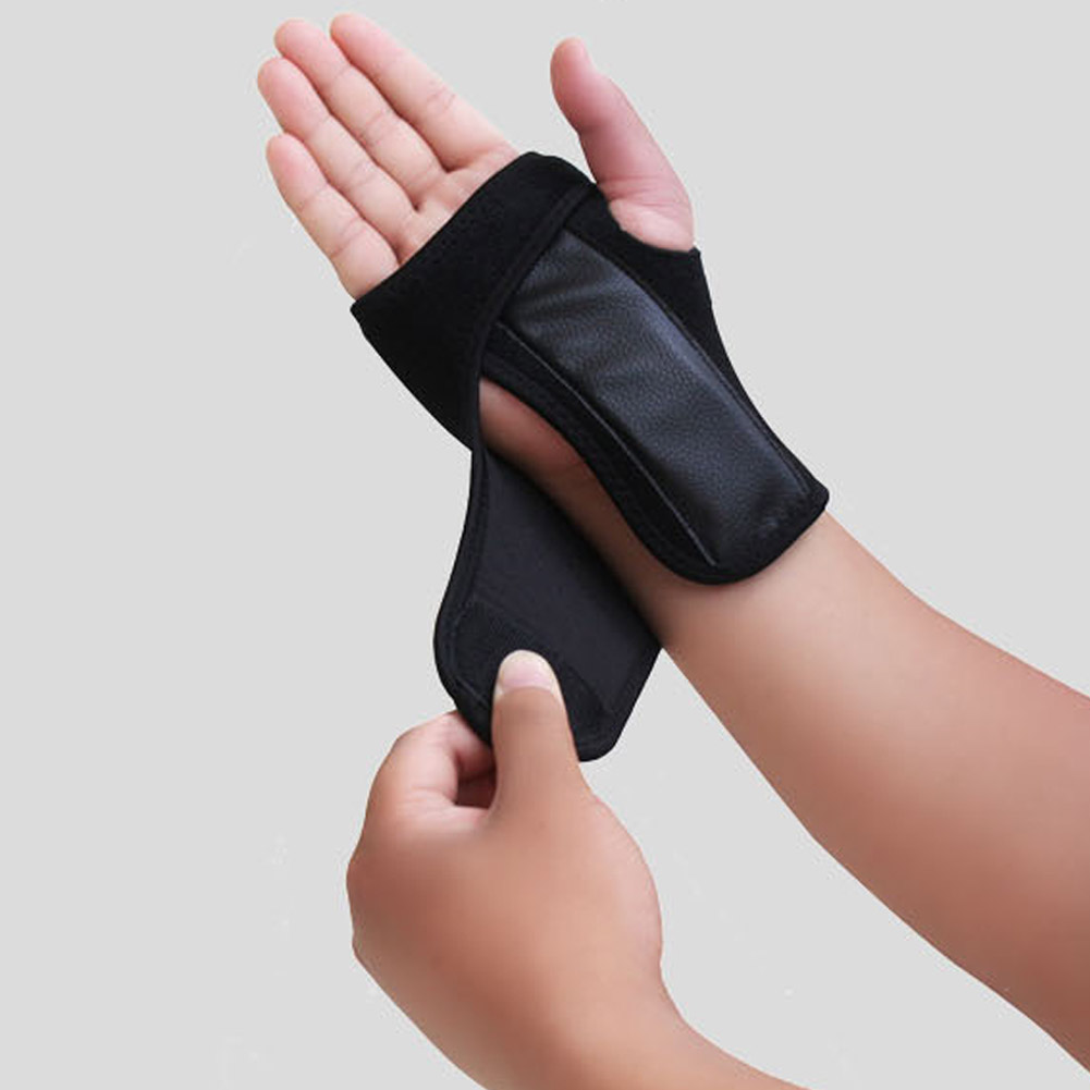 1Piece Sports Palm Wrist Guard Brace Protective Hand Protectors Gloves Armguard For Snowboard Skiing Skating Lifting