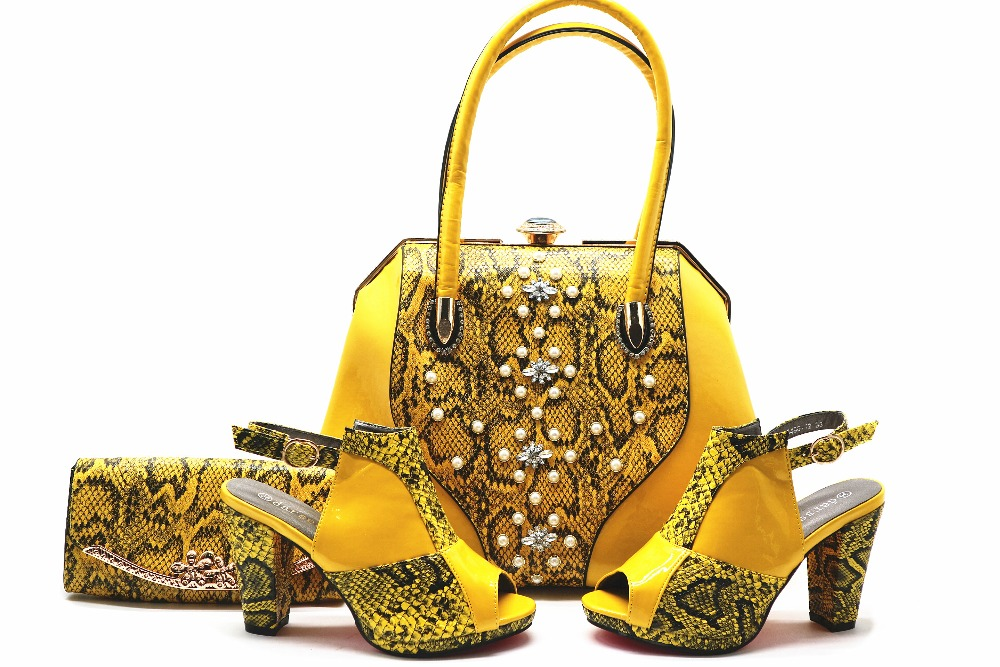 Yellow big handbag matching 4 inches sandal shoes women size 38 to 42 new fashion italian design shoes and bag set SB8137-1 cd158 1 free shipping hot sale fashion design shoes and matching bag with glitter item in black