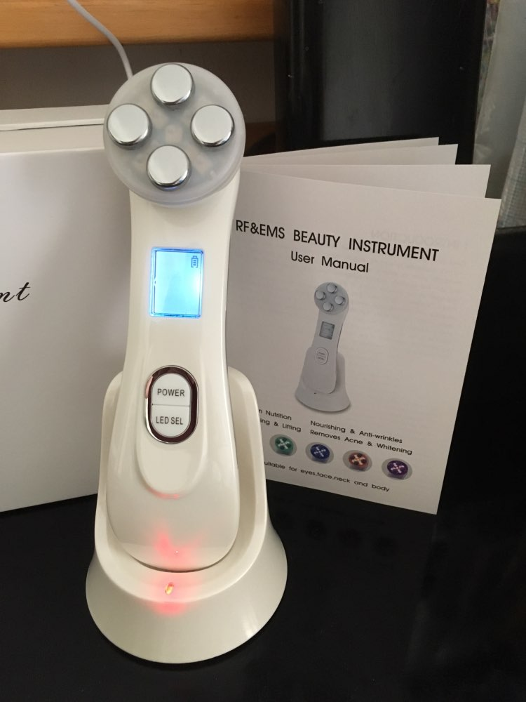 AgeReverse 5 in 1 Skin Lifting Solution