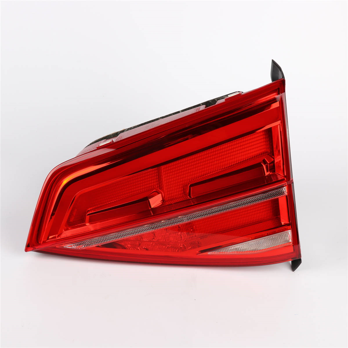 OEM 1Pcs Left Side Red Color 16D 945 307 LED Light Tail Lights Rear Lamp For VW Volkswagen Jetta GLI MK6 2015-2019 цена
