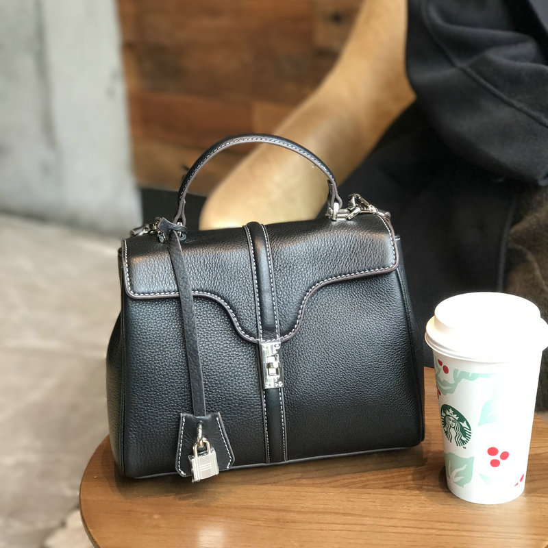 women luxury brand genuine leather lock handbags female messenger bags designer casual ladies tote crossbody bags 2019 newwomen luxury brand genuine leather lock handbags female messenger bags designer casual ladies tote crossbody bags 2019 new