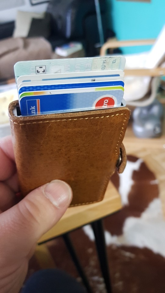 Genuine Leather Mens Aluminum Wallet With Back Pocket ID Card RFID Blocking Mini Magic Wallet Automatic Credit Card Coin Purse photo review