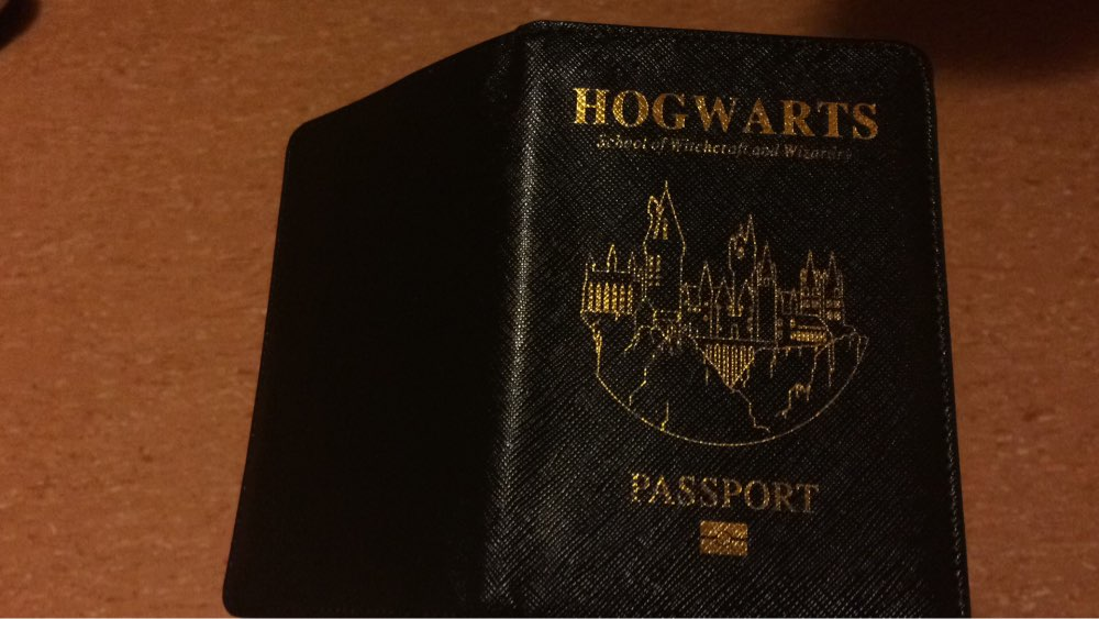 TRASSORY Multifunctional Rfid Blocking Harry Potter Passport Cove Leather Hogwarts Gryffindor Ravenclaw Passport Cover Case photo review