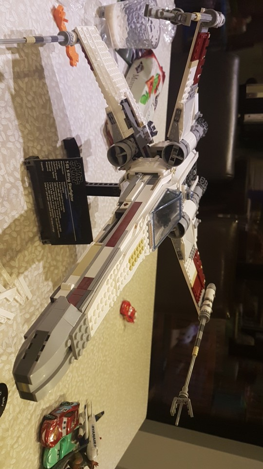 LEPIN 05039 Star Wars The 10240 X-Wing Red Five Star Fighter Block Set (1616Pcs) photo review