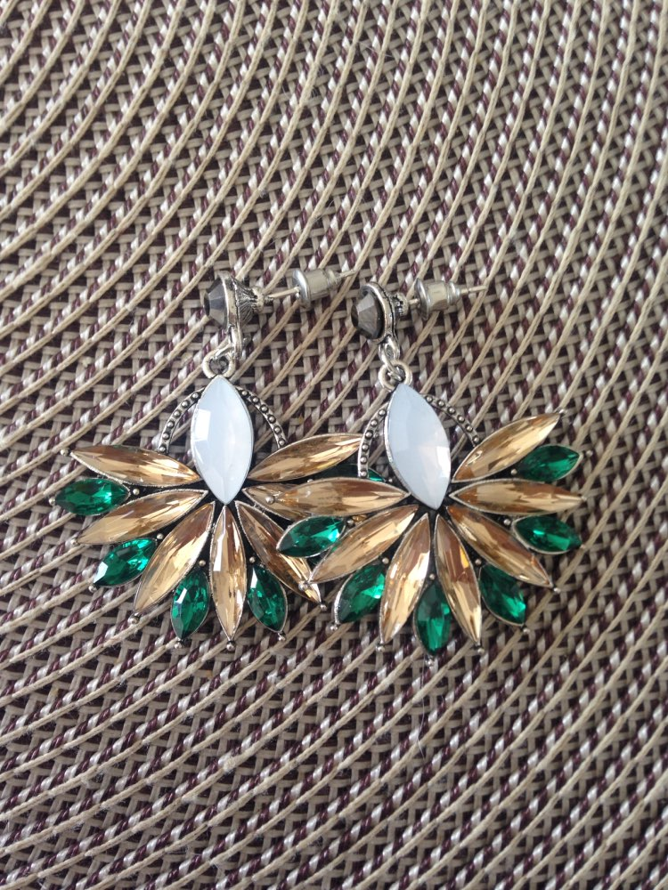 Crystal Flower Drop Earrings photo review
