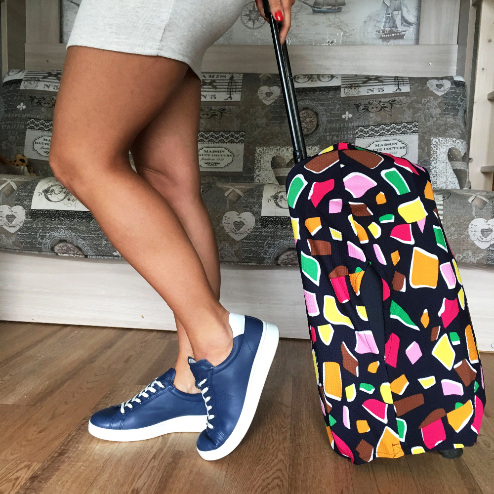 Яркий чехол для чемодана — куплен на Алиэкспресс