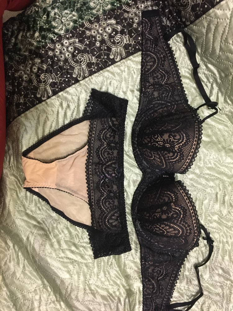 Pretty Mary Women1/2 Cup Push Up Bra and Panties Sets Sexy Lace-trim Plunge Bra Plus Size Underwear Sexy Lingerie