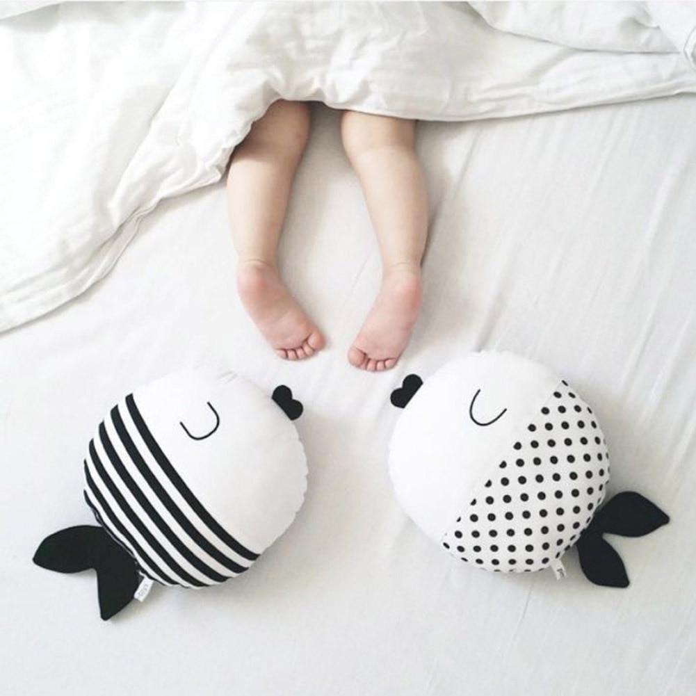 New Simple Black And White Fish Pillow Kiss Fish Polka Dot Fish Cushion Doll Accompany Sleep Doll Childrens Room Decor