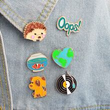 1 Pz Carino Hedgehog/Cane/Record/Goldfish/Oops Design In Metallo Spille Pins Cappelli Clip Smalto FAI DA TE Regalo bello Del Fumetto(China)