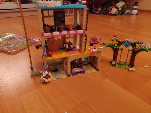 LEPIN 01063 Friendship House Block Set (808Pcs) photo review