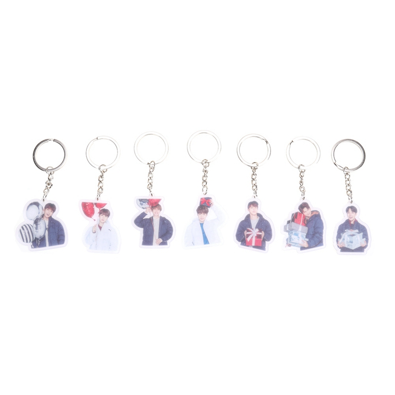 2018 New 1 Pcs Hot Sale BTS Album Boys Plastic Key Chain Personalized Key Ring Pendant Keyring Cute Version Keychain