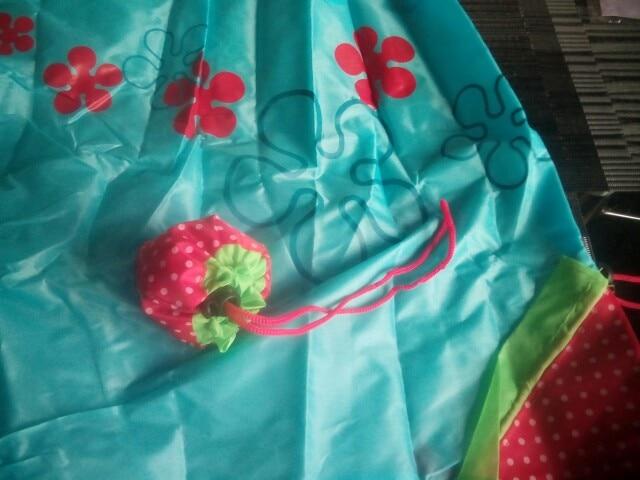 Hot Eco Storage Handbag Strawberry Grapes Pineapple Foldable Shopping Bags Reusable Folding Grocery Nylon Large Bag Random Color photo review
