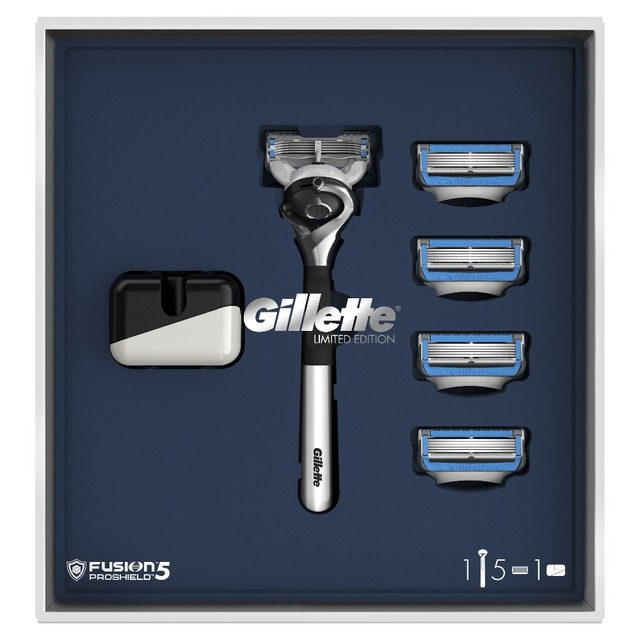 Подарочный набор Gillette Fusion5 ProShield Chill ограниченная серия с хромированной ручкой (Бритва + 5 сменных кассет + Подставка)