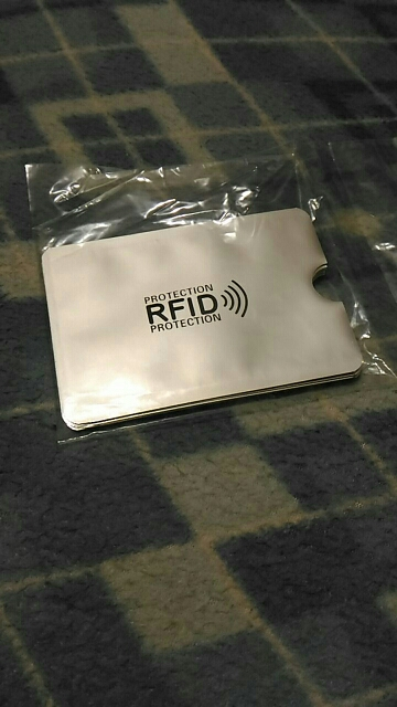 (10 pcs / set) Anti-scan RFID Blocking Card Sleeve Credit Debetkaarten Bescherming Pouch Security ID Blocker Aluminiumfolie Houder photo review