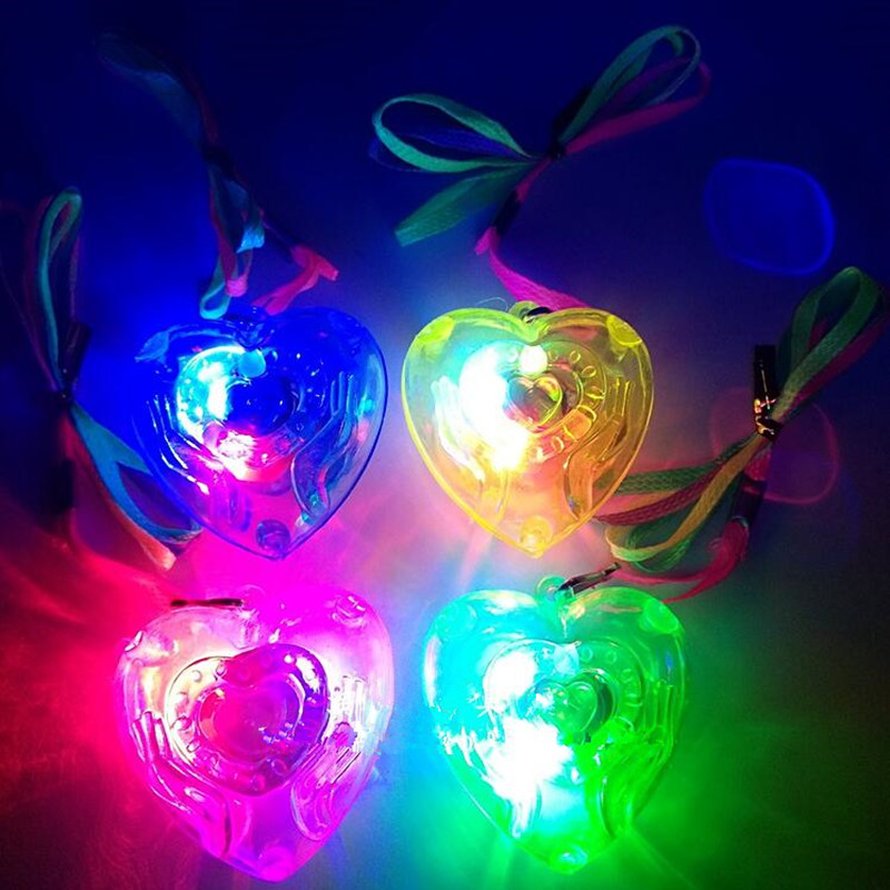 2019   New Love Heart LED Light Up Flashing Blinking Necklace Pendants Kids Glowing Necklaces Birthday Glow Party Supplies
