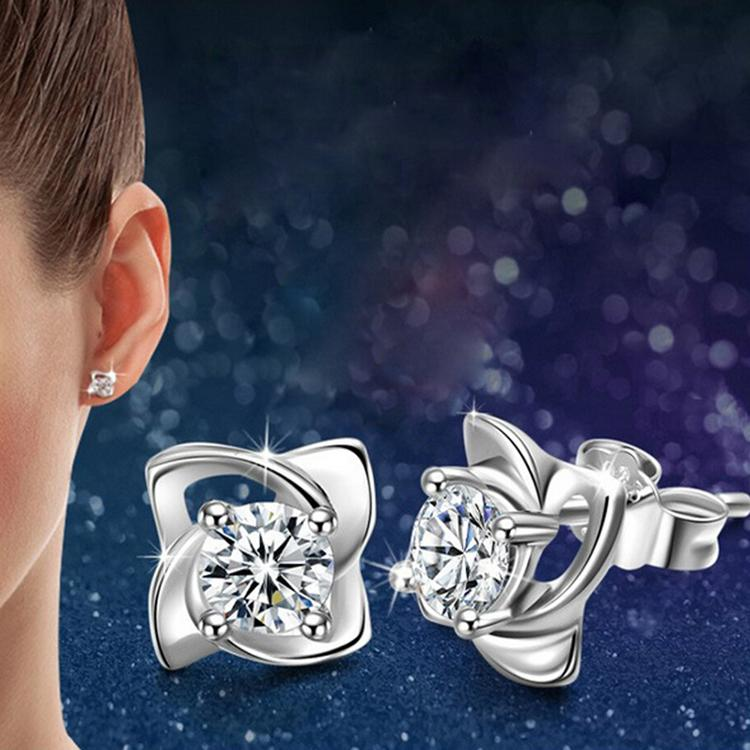 Jewelery Accessories Newly Arrival Elegant And Charming Silver Plated Four Leaves Clover Shaped Woman Earrings
