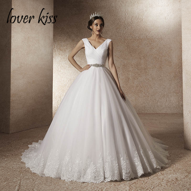 Us 166 15 47 Off Lover Kiss Vestido De Noiva 2019 Simple Inspired Pleated Tulle Wedding Dress Lace Jeweled Sash V Neck Bridal Gowns Robe Mariage In