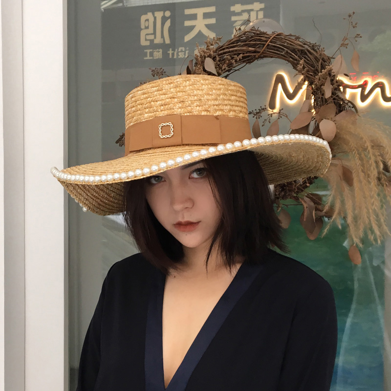 [La MaxPa] libérez Le Bateau Sun Chapeau D'été 2018 Nouveau Mode Femmes Canotier Chapeaux De Paille De Blé Naturel Chapeaux avec Perles autour Top Qualité