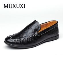 Новое прибытие высокого натуральная кожа удобные ботинки мужчины корова замшевые мокасины обувь мягкой дышащей мужчины квартиры вождения обувь