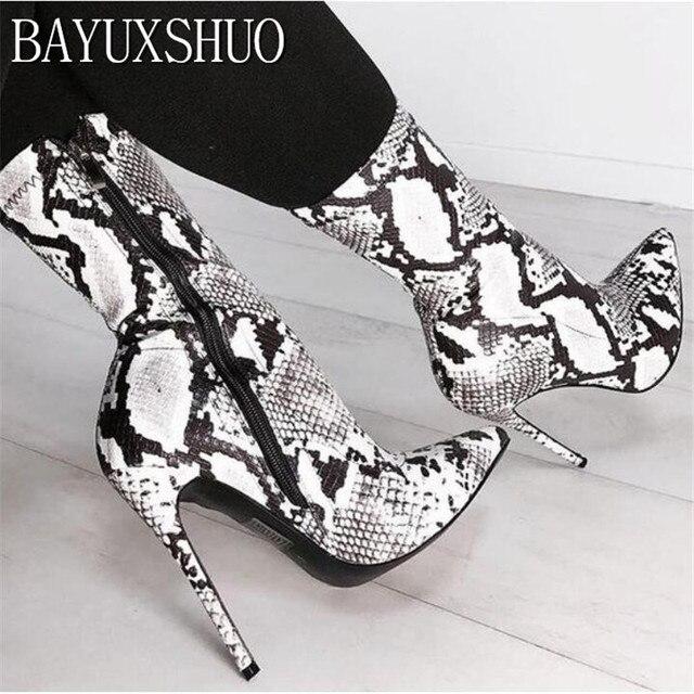 BAYUXSHUO Kadın Botları Rahat Uzun Tüp Yılan Derisi Sivri Burun Orta buzağı Yan Fermuar Stiletto Topuk kısa çizmeler Bayan Bootie ayakkabı