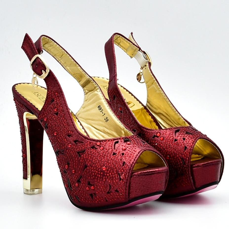 De Chaussures Nombreux Sac Strass Talons Pouces Hauts Assorti 1 À Vin Et Sandale Ensemble Embrayages 4 Élégant Sb8128 7 Femmes Avec qf5aUtwg