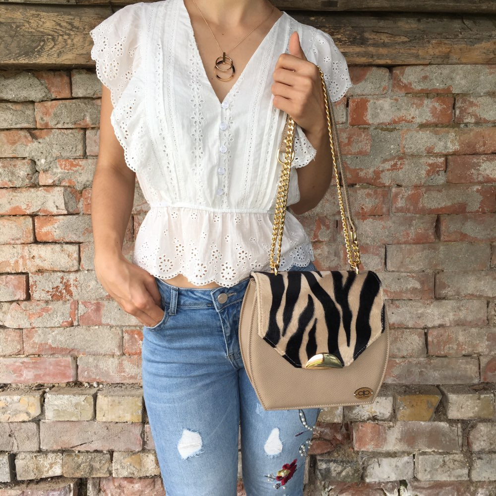 Elegant Ruffle White Blouse Women Summer V Neck Embroidery Lace Cotton Blouse Shirt Vintage Ladies Tops Shirt Blusas photo review
