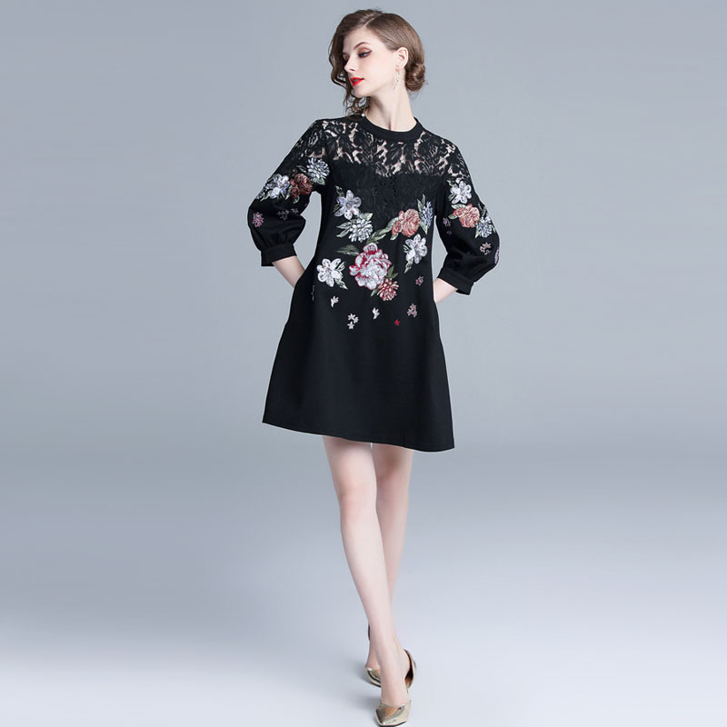 2018 automne et d'hiver noir de robe pour femmes lourd travail brodé couture dentelle lanterne manches lâche robe à lignes