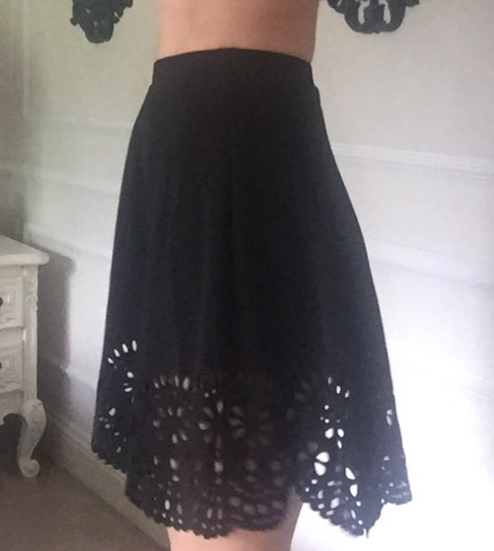 Black Elegant Scallop Hollowed Out Skirt Women Spring Casual Mid Waist Flared Skirts Solid Elastic Waist Mini Skirt photo review