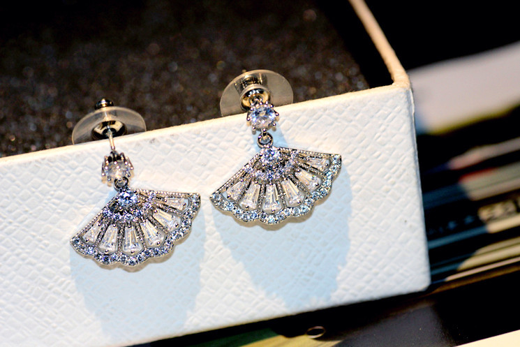 2017 New Sale Fashion jewelry 925 silver Wild fan Earrings Christmas Rose Crystals From for Swarovski for Woman