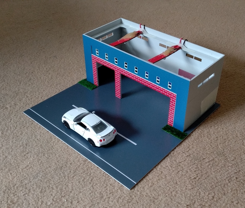 Parking lot Model 1:64 Scale ADVAN 4S Shop Building Model with 10 Parking Space