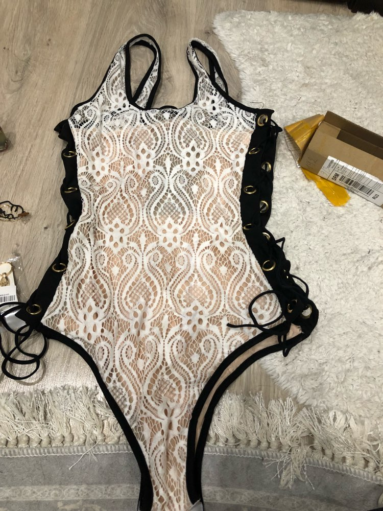 2019 New Black White Swimming Suit Sexy Solid Lace Print Sandy Beach Double Shoulder Strap One-pieces Low Chest Bandage Swimsuit