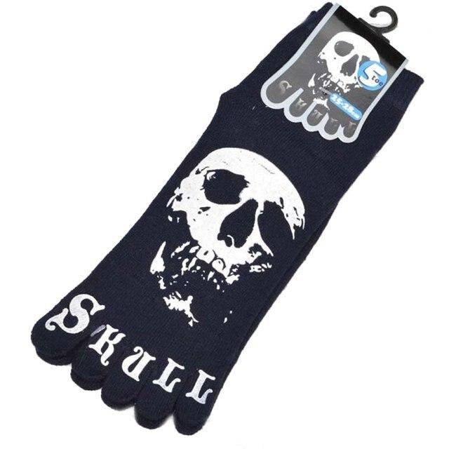 חדש 1 זוג Mens צוות גרבי הבוהן גרביים-שחור עם גולגולת דפוס