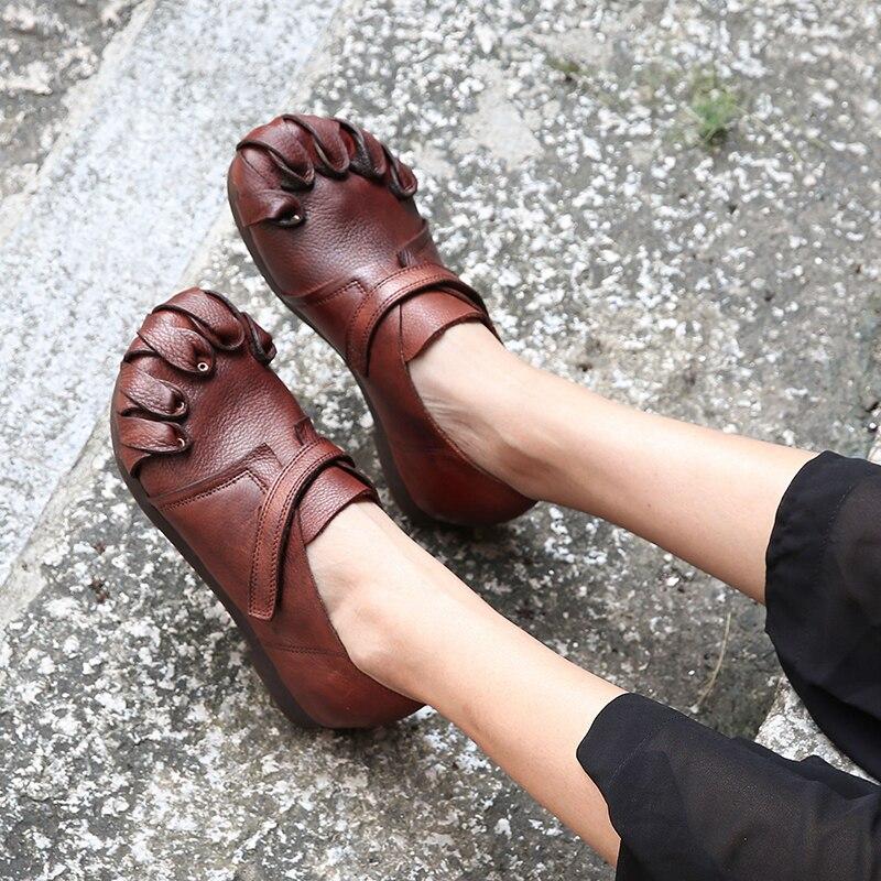 Rivet chaussures plates souples dame en cuir véritable rétro femmes mocassin chaussures bande magique en caoutchouc semelle extérieure solide loisirs femmes chaussures