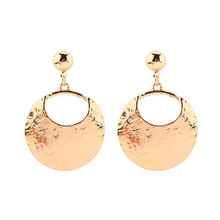2018 new round pendants in Europe and the contracted earrings Zinc alloy eardrop fashion lady