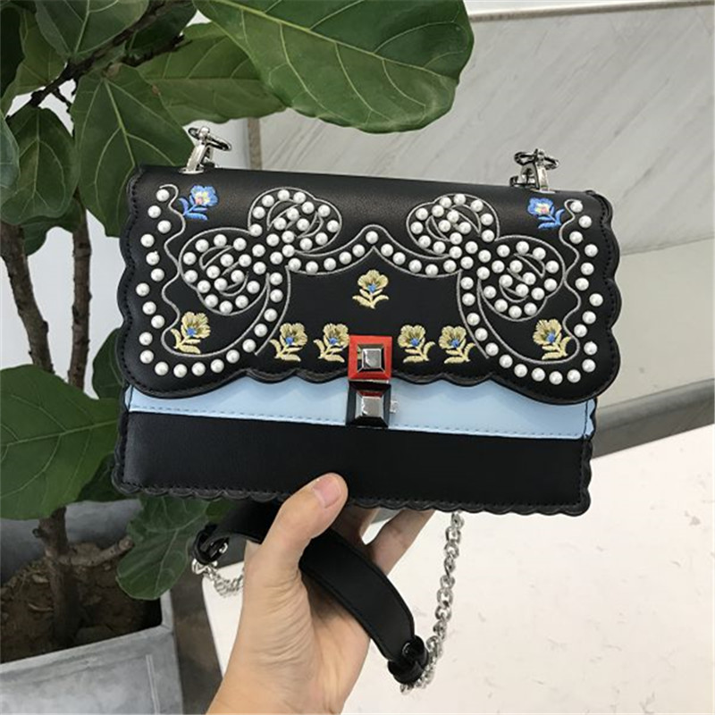 2018 new handbag Europe and the United States fashion hit color rivets square bag embroidered messenger bag europe and the united states in the summer of new crystals with dew toe hit the color of the air after the air buckle with a thi