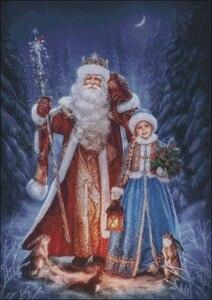 Image 2 - Borduurwerk Geteld Borduurpakketten Handwerken Ambachten 14 ct DMC Kleur DIY Arts Handgemaakte Decor Kerstman met meisje