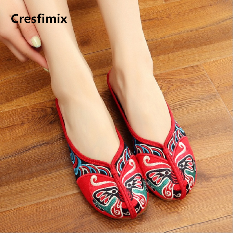 Cresfimix sapatos femininas women casual summer slip on flat shoes lady chinese traditional embroidery comfortable shoes a199 женские блузки и рубашки hi holiday roupas femininas blusa blusas femininas